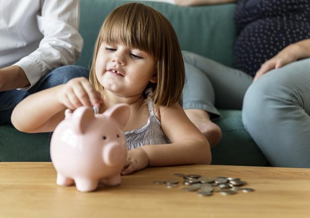 ensinar sobre dinheiro para crianças